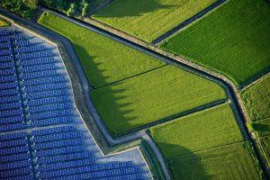 Nhà máy điện mặt trời xây trên sân golf, đập nước ở Nhật Bản