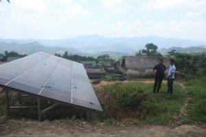 Điện mặt trời, cho tương lai no ấm của bản nghèo vùng biên
