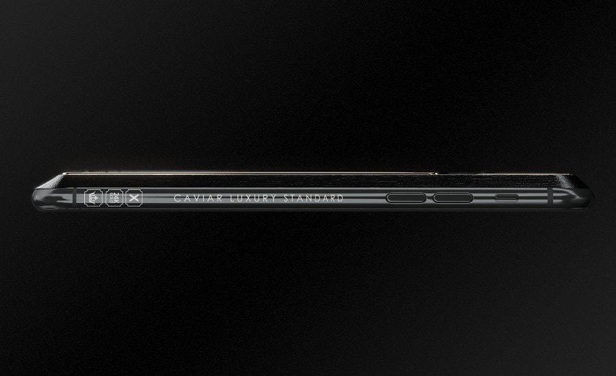 Caviar cho biết ban đầu chỉ dự định sản xuất 99 chiếc iPhone X Tesla nhưng đã đổi lại tăng lên 999 chiếc. Mỗi chiếc sẽ được đánh số thứ tự định danh riêng.