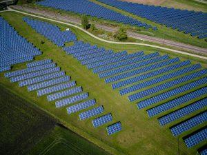 Năng lượng mặt trời là gì? Các vấn liên quan.