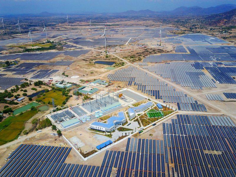 Phối cảnh nhà máy điện mặt trời và điện gió.
