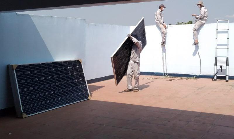 hàng xóm đầu tư hệ thống điện năng lượng mặt trời giá rẻ hơn của tôi