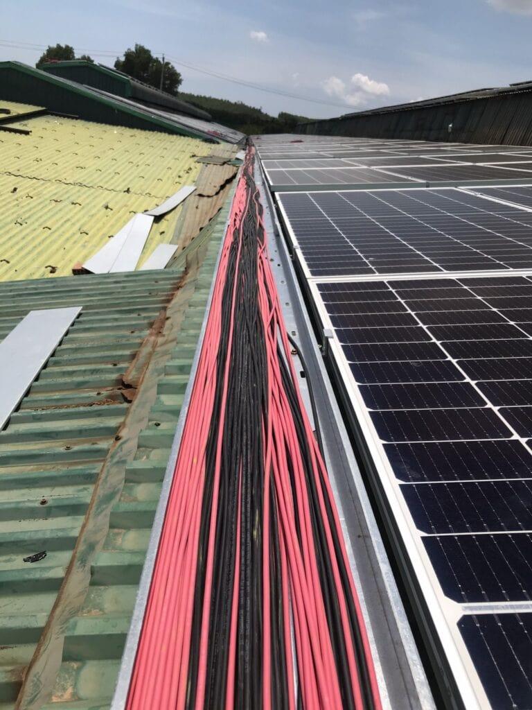 bảo trì hệ thống điện năng lượng mặt trời